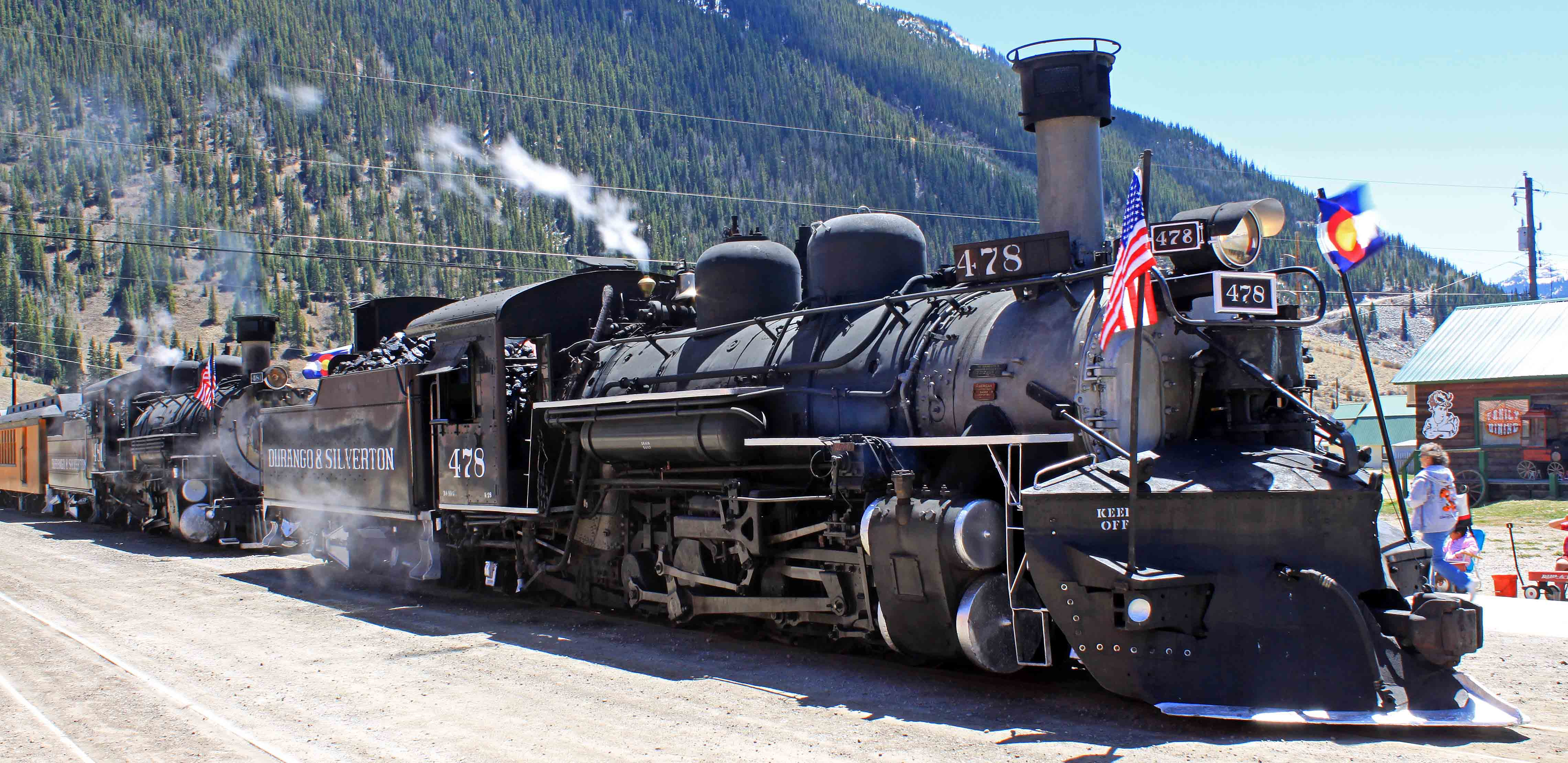 The durango and silverton narrow gauge railroad kings on for The silverton