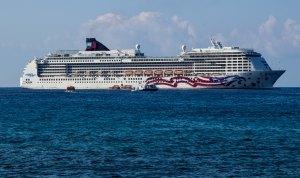Pride of America, anchored off Kona